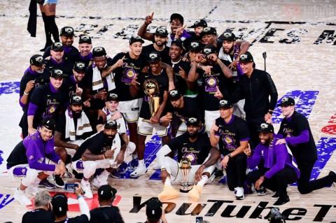 LeBron James Bawa Lakers Juara 10 Tahun Setelah Kobe Bryant