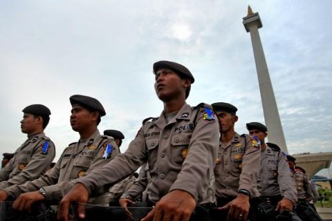 TNI-Polri Latih <i>Tactical Wall Games</i> Antisipasi Demo Susulan
