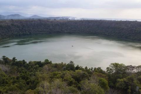 Pesona Danau Waibelen di Flores Timur