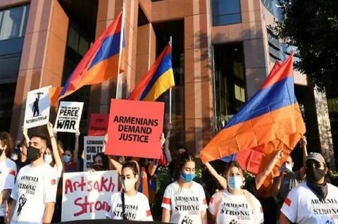 Komunitas Armenia Berunjuk Rasa di Sejumlah Kota AS