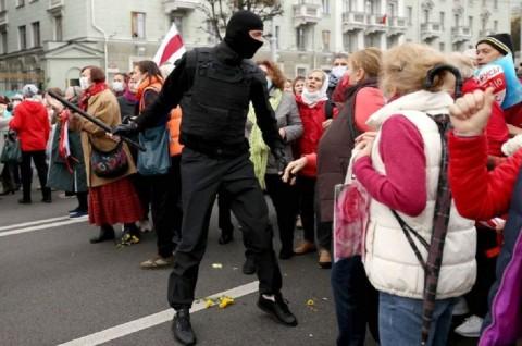 Polisi Belarusia Diizinkan Gunakan Senjata Mematikan
