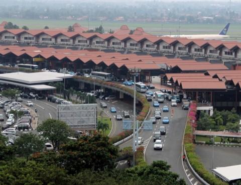 Hari Pertama PSBB Transisi, Penerbangan di Soetta Naik 5%