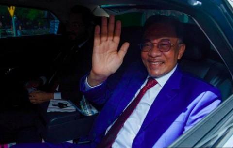 Anwar Ibrahim Serahkan Dokumen Dukungan Ubah Pemerintahan ke Raja Malaysia