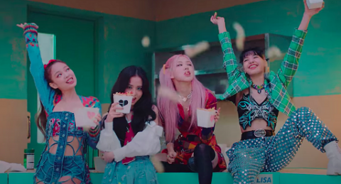 Elegan! Tampilan Make Up 'Putus Cinta' BLACKPINK dalam MV Lovesick Girls