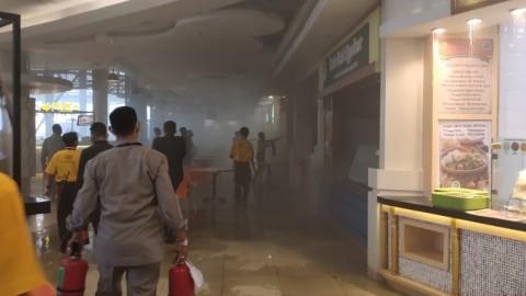<i>Food Court</i> Mal Kelapa Gading 3 Terbakar