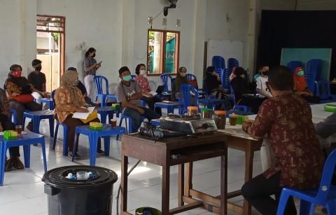 Mahasiswa UKDW Berbagi Ilmu Budidaya Lele dalam Ember