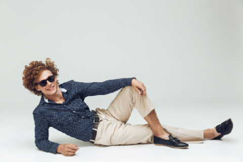 6 Warna Celana Chino yang Wajib Dimiliki Pria