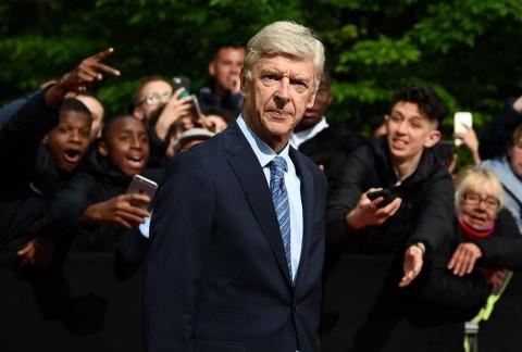 Wenger Gagalkan Kepulangan Van Persie ke Arsenal