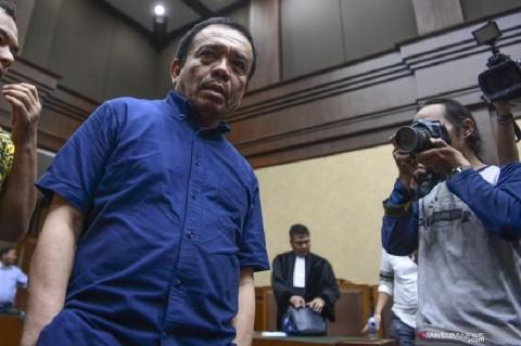 Irwandi Yusuf Diberhentikan dari Jabatan Gubernur Aceh