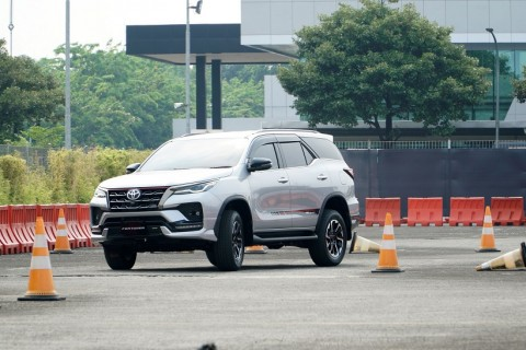 New Toyota Fortuner Bersolek, Goda Orang Kaya Indonesia