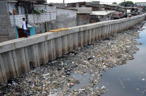 Antisipasi Banjir, Kali Sekretaris di Jakbar Dikeruk