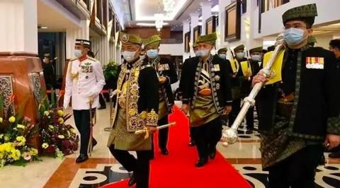 Raja Malaysia Peringatkan Politikus Jangan Mengacau saat Pandemi Covid-19