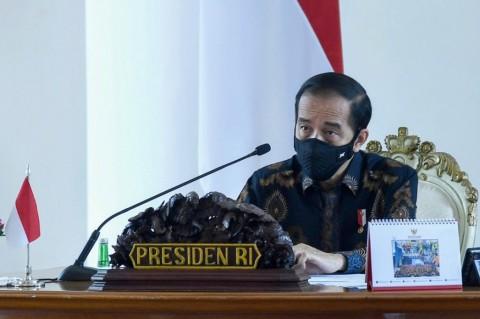 Setelah Melewati 3 Menteri, Naskah UU Cipta Kerja Tiba di Tangan Jokowi
