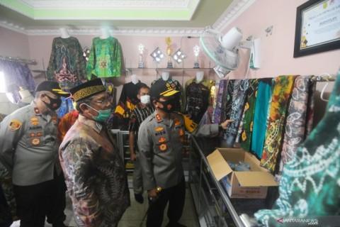 Kapolda Kalsel Wajibkan Penggunaan Batik Sasirangan