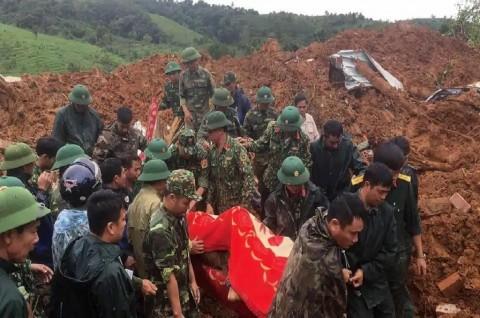22 Prajurit Vietnam Terkubur Material Longsor di Kamp Militer