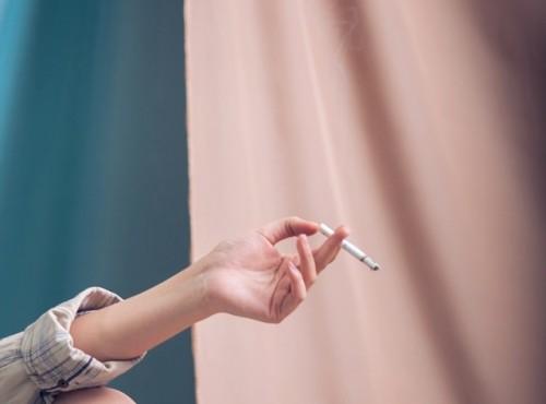 Nikotin dari rokok bisa bertahan beberapa hari di darah, urine, air liur, termasuk di rambut. (Foto: Pexels.com)