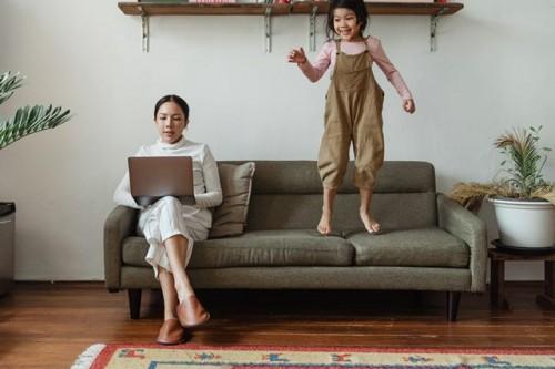 Ada tips agar kamu dan si kecil tidak stres belajar dari rumah. (Foto: Pexels.com)