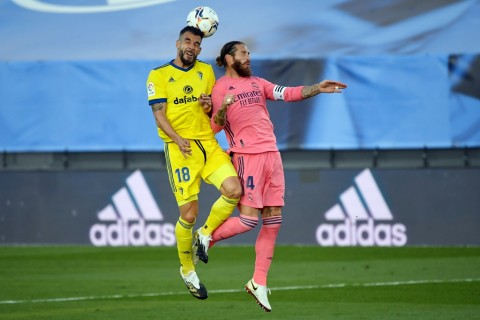 Sergio Ramos Terancam Absen Saat El Clasico