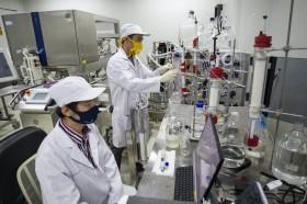 Tunda Program Vaksin Covid-19, Indonesia Bisa Rugi Rp657 Triliun