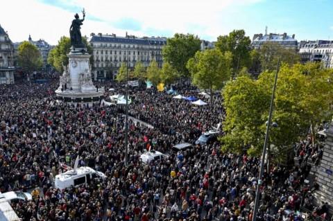 Usai Pemenggalan Guru, Sayap Kanan Prancis Ingin Usir Muslim