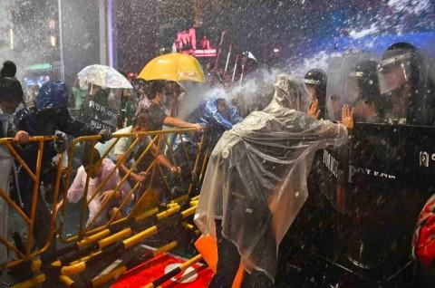 PM Thailand Minta Bantuan Parlemen Parlemen Atasi Demo Anti-Pemerintah