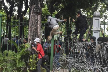 Pengalihan Lalu Lintas Imbas Demo di Istana Merdeka