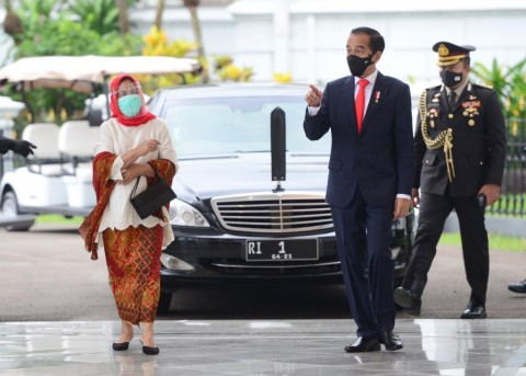 President Jokowi Welcomes Japanese PM Suga at Bogor Palace
