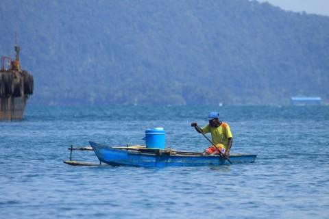 Pemerintah Bagikan 1.036 Konverter Kit ke Nelayan Musi Banyuasin