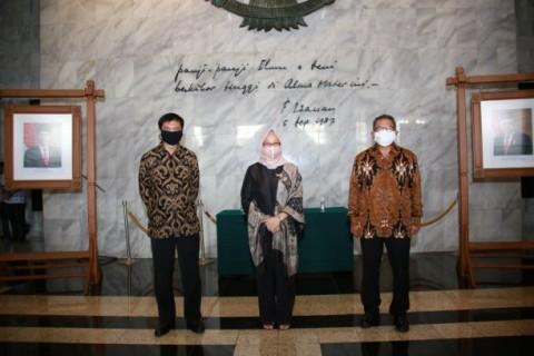 UI Lantik Tiga Wakil Rektor Baru