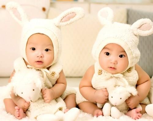 Berikut tipsnya supaya peluang kamu punya anak kembar tinggi. (Foto: Pexels.com)