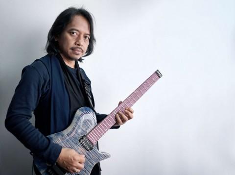 Dewa Budjana Ajak Drummer Legendaris Dunia di Lagu Terbaru