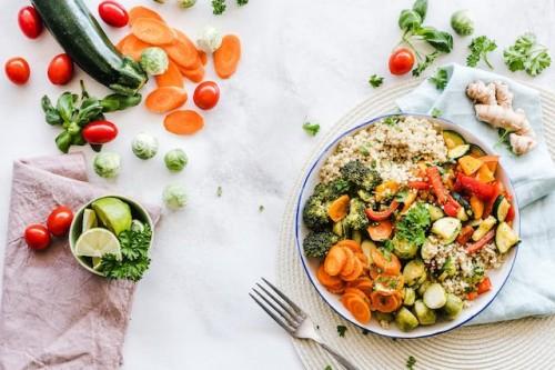 Banyak orang memilih untuk mengikuti diet vegetarian karena alasan kesehatan. (Ilustrasi/Pexels)