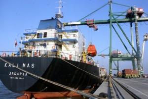 Covid-19 Sebabkan Penurunan Penumpang Kapal Laut di Tanjung Pandan