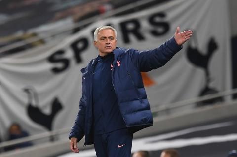 Mourinho Puas dengan Profesionalitas Tottenham