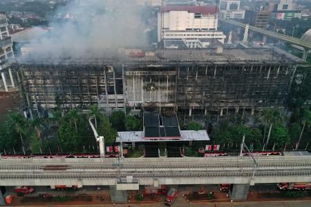 Titik Api Kebakaran Kejagung Dicari Menggunakan Satelit