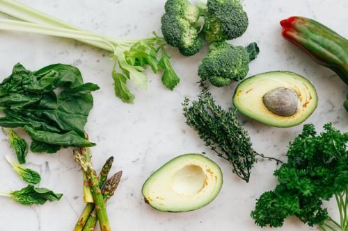 Penelitian secara konsisten menunjukkan bahwa diet atau pola makan kaya sayuran dapat meningkatkan kesehatan jantung dan mencegah gangguan jantung. (Ilustrasi/Pexels)