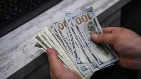 Stimulus Covid-19 Tidak Menentu, Dolar AS Kehilangan Tenaga