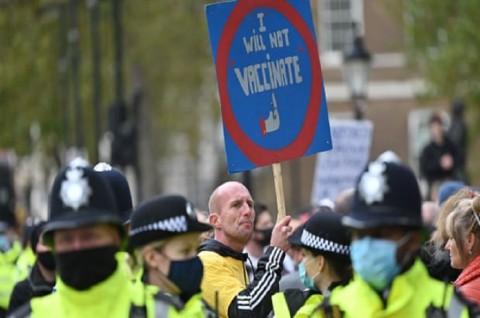 Belasan Orang Ditangkap dalam Demo Anti-Lockdown di London