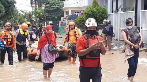 Sejumlah Warga Korban Banjir di Bekasi Enggan Dievakuasi