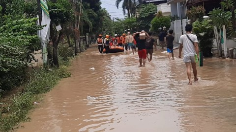 Ribuan Warga Villa Jatirasa Bekasi Terdampak Banjir Kiriman