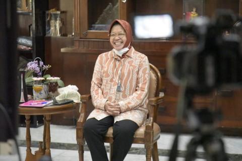 Risma Curhat Suka Duka Memimpin Surabaya