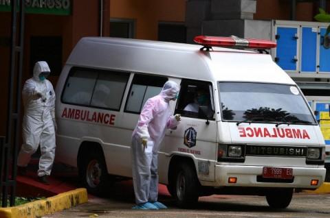Ambulans Pengangkut Jenazah Pasien Covid-19 Terobos Banjir Setinggi 1 Meter
