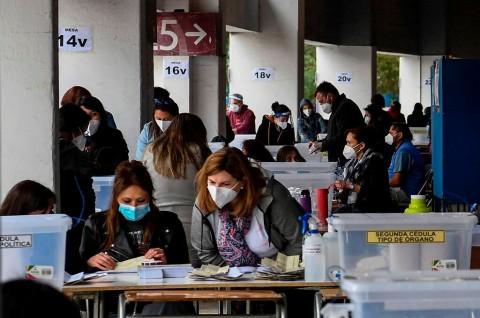 Warga Chile Sepakat Ubah Konstitusi Negara
