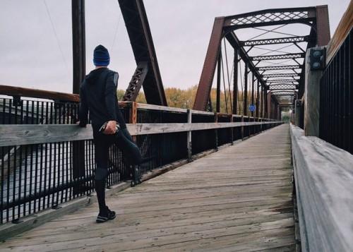 Osteoarthritis mirip dengan osteoporosis, tapi punya arti yang beda. Berikut perbedaannya. (Foto: Pexels.com)