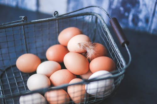 Telur mengandung vitamin D yang dapat membantu kesehatan tulang dan fungsi imun. Serta kolin, yang dapat meningkatkan sistem metabolisme tubuh dan membantu perkembangan otak janin. (Ilustrasi/Pexels)