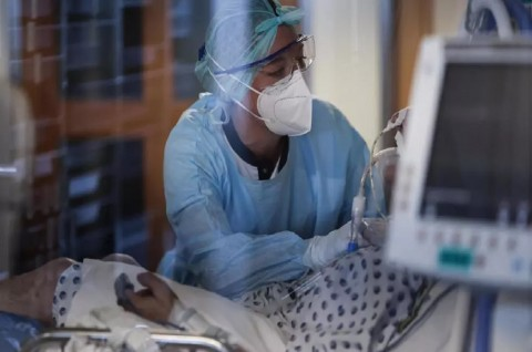 Dokter Belgia Diminta Tetap Bekerja Meski Positif Covid-19