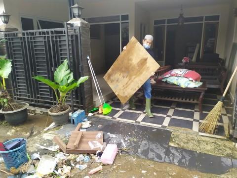 Warga Terdampak Banjir di Kota Bogor Mulai Berbenah