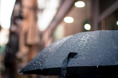 5 Cara Mudah Menjaga Kesehatan saat Musim Hujan