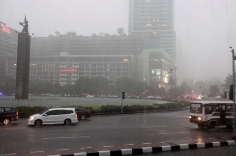 3 'Payung' yang Harus Dipersiapkan Pengemudi Memasuki Musim Hujan