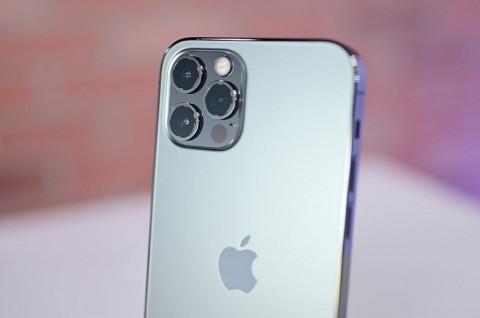 Pengguna Keluhkan Bodi Tajam iPhone 12